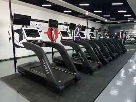 山东商用跑步机多少钱